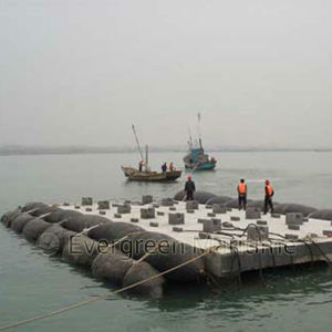 Mairne Salvage Rubber Airbags for Floating Ships and Docks pictures & photos