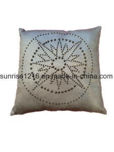 Decorative Cushion Sr-C170213-11 High Fashion Pearled Compass Cushion pictures & photos