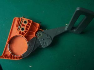 Gasoline Chainsaw Spare Parts Chain Sprocket Cover Brake Assy (EH137/142) pictures & photos