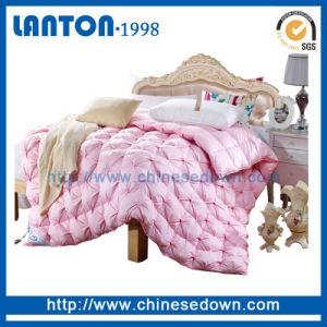 Box Sew Through 100%Goose Down White Quilt pictures & photos