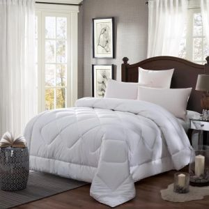 Super Soft Luxury Hotel Wholesale Quilt with Microfiber Filling (JRD537)