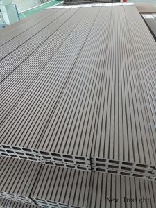 Composite Wood Decking with SGS, Fsc, Ce, Fcba, Intertek Certificates pictures & photos