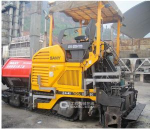 High-Quality and Good-Service Sany Road Asphalt Concrete Paver pictures & photos