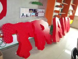 High Quality LED Illuminated Stainless Steel Channel Letter Sign pictures & photos