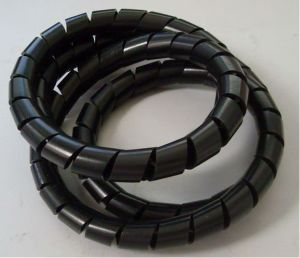 Italy Running PE Protective Sheath Spiral Wrapping Band Production Line pictures & photos
