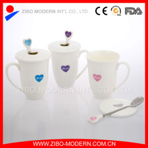 Hot Sale White Ceramic Coffee Mug with Print Love Spoon and Lid pictures & photos
