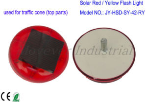8 LED Red Color Solar Flash Light for Traffic Cone pictures & photos