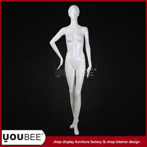 Factory Supply Female Fiberglass Mannequins for Window Display pictures & photos