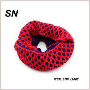 100% Acrylic Knitted Infinity Scarf for Lady (SNMJS002) pictures & photos