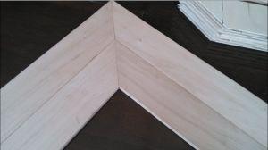 Fishbone Oak Wood Parquet/ Herringbone Hardwood Flooring pictures & photos