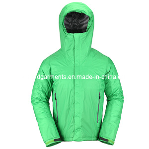 Men′s Winter Outdoor Jacket with Down Filling