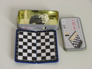 Plastic Chess Game (in tinbox)