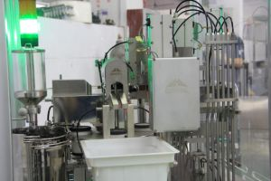 Pharmaceutical Machine for Syringe Filling (GPZ 30-1N) pictures & photos