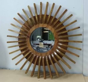 Home Decorative Solid Wood Sunflower Shape Modern Wall Mirror (LH-W17033) pictures & photos