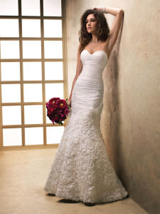 Lace on Tulle Halter Bridal Gown Bow Belt Wedding Bridal Dress pictures & photos
