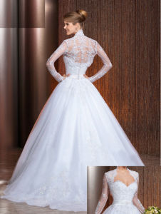 2017 Sweetheart Crystal Sash Lace Applique Wedding Dress with Additional Wrap pictures & photos
