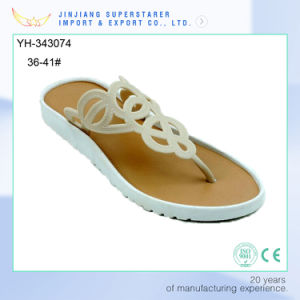 Comfortable Lady Sandal, Wholesale Woman Flat Slipper pictures & photos