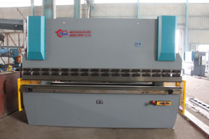 Hydraulic Press Brake Machine, Bending Machine Wf67k 63t3200 pictures & photos