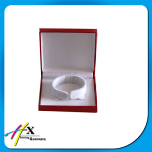 Wholesale Top Quality Hard Plastic Material Jewelry Custom Bracelet Box pictures & photos