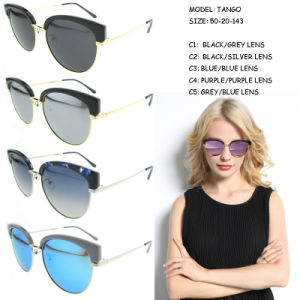 Fashionable Polarized Sunglasses 2017 Women Sun Glasses pictures & photos