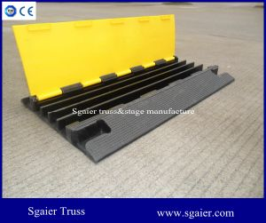 4 Slot Channel Cable Snake Ramp Protector Board with Reflectors pictures & photos