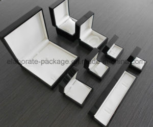 Luxury Black Glossy Wood Jewelry Set Box pictures & photos