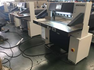 Full Hydraulic Digital Paper Cutting Machine (67E) pictures & photos