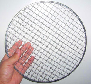 Round BBQ Grill Wire Mesh with Stents/Supports pictures & photos