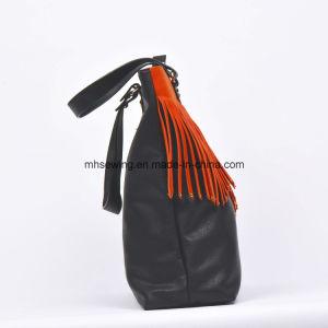 2017 Fashionable Designer Leather Tassel Bag Tote Bag Ladies Handbag pictures & photos