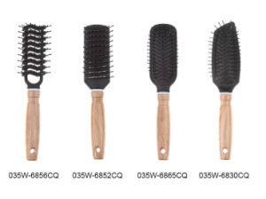 Wooden Handle Hairbrush for Salon (035) pictures & photos