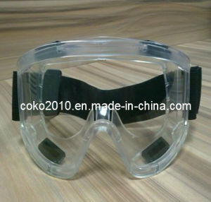 CE Approved Goggles with Valves pictures & photos