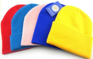 Customized Spring Autumn and Winter Lady Acrylic Beanie Caps pictures & photos