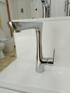 Watermark Approval Chrome Finished Brass Kitchen Mixer/Faucet pictures & photos