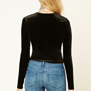 Ladies Fashion Velvet Long Sleeves Short T-Shirt Blouse pictures & photos