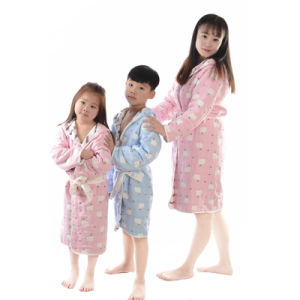 Children Hooded Cotton Bathrobe / Pajama / Nightwear pictures & photos