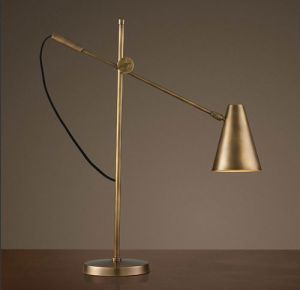 Classical Retro-Style Table Lamp/Desk Lamp for Collection Usage pictures & photos