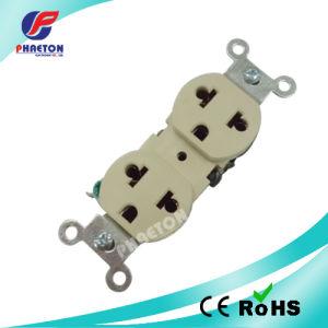 U28 15A 125V/10A 250V Multi Duplex Receptacles / American Socket pictures & photos