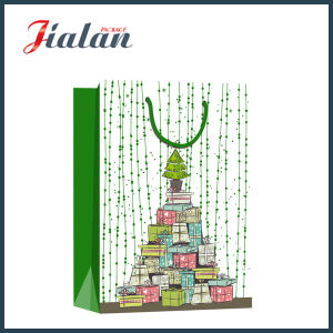 128GSM Glossy Laminated Art Paper Christmas Tree Gift Paper Bag pictures & photos