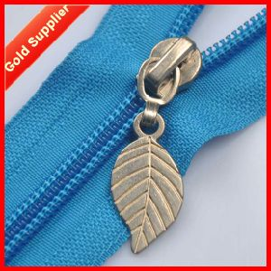 Cooperate with Brand Companies Custom Decorative Zipper Pulls pictures & photos