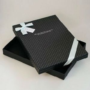 Luxury Cardboard Cosmetics Chocolate Apparel Packaging Gift Box pictures & photos
