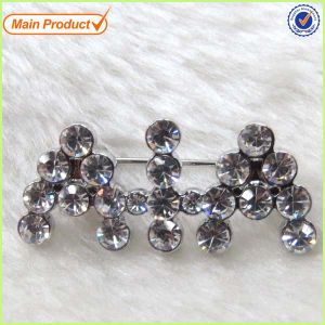 Custom Crystal Initial Letter Logo Brooch I Do Lashers Brooch Pin pictures & photos