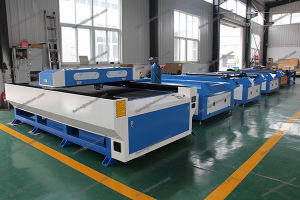 Cheap 1325 CO2 Sheet Metal/Nonmetal Laser Cutting Machine Service Price pictures & photos