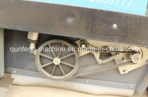 Road Sweeper with High Working Efficiency pictures & photos