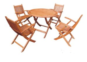 Outdoor Chinese Cedar Wood Brown Foldbale Table pictures & photos