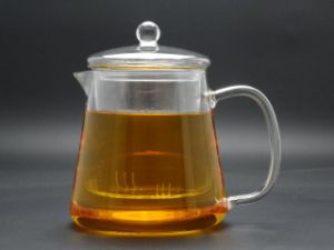 Useful Gift Hand Heat Resistant Borosilicate Glass Tea Pot with Tea Strainer pictures & photos