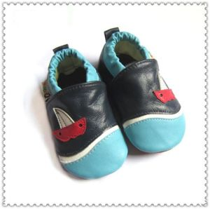Kids′ Shoes pictures & photos