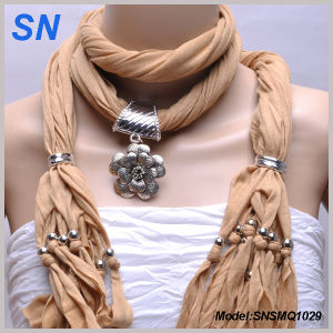 Floral Pattern Slider Pendant Scarf (SNSMQ1029) pictures & photos
