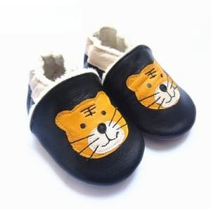 Fluffy Baby Shoes pictures & photos