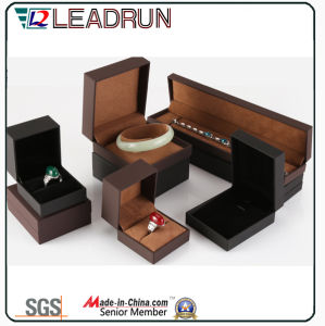 Leather Velvet Jewelry Storage Box Souvenir Present Bangle Cufflink Packing Gift Box (YSP133) pictures & photos