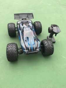 1/10 Scale Electric Brushless RC Car Model pictures & photos